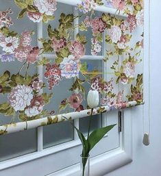 5 deco ideas with a wooden ladder - HomeDBS Drop Cloth Curtains, Hanging Curtains, Diy Curtains, Window Curtains, Diy Sewing Table, Diy Table, Sewing Diy, Kitchen Linens, Kitchen Curtains