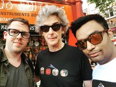 Bumped into Peter Capaldi in soho! Now, who can explain the meaning of his tee shirt?