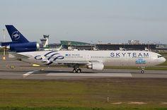 A Skyteam fake. KLM MD-11 in Skyteam colours.