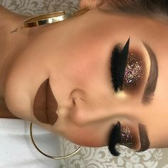 Valentine's Day Makeup Looks – a pretty idea for Valentines makeup or date night. Artist Unknown Valentine's Day Makeup Looks – a pretty idea for Valentines makeup or date night. Cute Makeup, Glam Makeup, Gorgeous Makeup, Skin Makeup, Makeup Inspo, Eyeshadow Makeup, Drugstore Makeup, Eyeshadows, Makeup Brushes