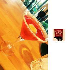 Al #cafferomaeur cocktail originali e rinfrescanti!🍸 #cocktailtime #aperitivo #apericena #roma #eur