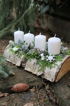 Christmas Advent Wreath, Christmas Candle Decorations, Cheap Christmas, Noel Christmas, Rustic Christmas, Simple Christmas, Advent Wreaths, Minimal Christmas, Reindeer Christmas