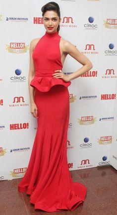 Actress Deepika Padukone Latest Photo in Red Color Sleeveless Gown Deepika Padukone Latest, Deepika Padukone Style, Kareena Kapoor, Priyanka Chopra, Deepika Ranveer, Sonakshi Sinha, Aishwarya Rai, Bollywood Girls, Bollywood Stars
