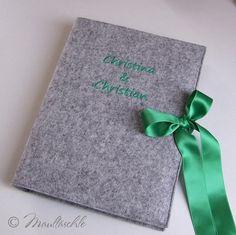 Gästebuch XL in bestickter Filzhülle Wunschnamen von Maultäschle auf DaWanda.com