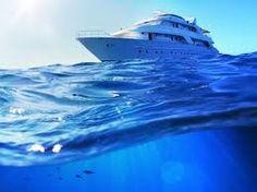 Resultado de imagem para mar e iate