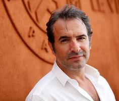 Version Femina . Jean Dujardin