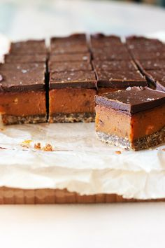 Chocolate Slice, Cooking Chocolate, Salted Chocolate, Chocolate Topping, Chocolate Caramels, Melting Chocolate, How To Melt Caramel, Salted Caramel Slice, Golden Syrup