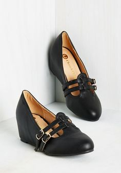 Suits You to a Teach Wedge in Ink. Its not just your lectures that are so impressive, but also how perfectly these black wedges complement your scholarly looks! #black #modcloth