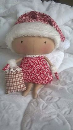 Tilda in Santa hat Doll Clothes Patterns, Doll Patterns, Christmas Snowman, Christmas Crafts, Tilda Toy, Diy And Crafts, Arts And Crafts, Baby Fairy, Doll Toys