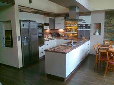 Niekedy komplikovaná požiadavka zákazníka nieje pre nás žiadny problém.. Kitchen Island, Table, Furniture, Home Decor, Island Kitchen, Decoration Home, Room Decor, Tables, Home Furnishings