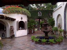Pictures of Hacienda San Angel, Puerto Vallarta Hacienda Style Homes, Spanish Style Homes, Spanish Revival, Spanish House, Spanish Colonial, Mexican Courtyard, Mexican Patio, Spanish Courtyard, Mexican Hacienda