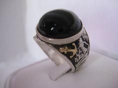 Mira este artículo en mi tienda de Etsy: https://www.etsy.com/listing/160719689/sailboat-onyx-18k-solid-gold-silver-ring