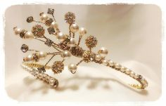 Back to front #tiara....Ideally worn around a hair up style like a high bun. Made on a #gold base with #cream #pearls & #diamantes... Pearls & diamantes go all around the band... #bridal #weddings #hairaccessory #bride