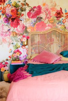 rattan headboard and touch… I'm in LOVE with these colors!rattan headboard and touch of metallic in the pendant light Home Bedroom, Girls Bedroom, Pink Bedrooms, Trendy Bedroom, Dream Bedroom, Bedroom Ideas, Rattan Headboard, Pink Headboard, Bedroom Headboards