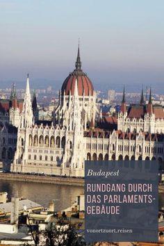 Besuch des Parlamentsgebäude in Budapest - eine Führung #budapest #ungarn #architektur #parlament Cathedrals, Taj Mahal, Louvre, Building, Travel, House Of Lords, Budapest Hungary, Indoor Courtyard, Architecture