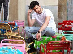 "Blas Cantó: ""Poner letra al himno de España me parece valiente""- RevistaDiezminu Men's Style, Spanish Girls, 3 Boys, Singers, Display, Backgrounds, Masculine Style, Male Style, Men Styles"