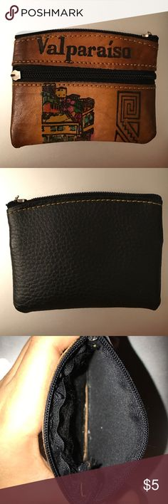 Coin purse faux leather Coin purse purchased in Chile two zippers beautiful design Bags Wallets