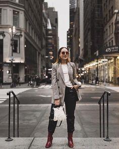 @mintandthrift slays NYFW street style in her @thredup pants ✨