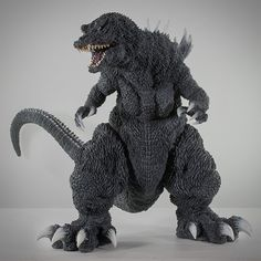 X-Plus Gigantic Series Godzilla 2001 vinyl figure. Godzilla Figures, Godzilla Toys, Vinyl Figures, Action Figures, King Kong Vs Godzilla, Japanese Monster, Cool Monsters, Paint Schemes, Black Art