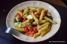 Top 7 retete vegetariene cu paste in stil italian. Quiche Lorraine, Avocado, Baby Food Recipes, Fruit Salad, Pesto, Diet, Canning, Recipes For Baby Food, Fruit Salads