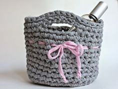 57 Trendy Ideas For Knitting Bag Tutorial Rope Basket Diy Crochet Basket, Crochet Diy, Crochet Gifts, Crochet Ideas, Loom Knitting, Knitting Stitches, Baby Knitting, Crochet Simple, Crochet For Beginners