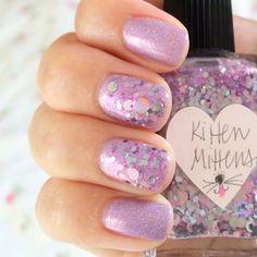 onceuponatan #lynnderella kitten mittens over #emilydemolly head over heels. #glitter #nailpolish #itsalwayssunny #pink