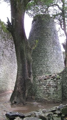Great Zimbabwe Ruins [rps] Seychelles, Uganda, Places Ive Been, Places To Go, Fallen Arches, Ancient Mysteries, Rock Formations, Anthropology, World Heritage Sites