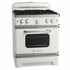 CUSTOM ORDER ONLY Big Chill Stoves have all the functionality of a modern appliance with vintage design and color. Cooking like a pro is easy with the Big Chill stove. Modern Farmhouse Kitchens, Farmhouse Style Kitchen, Retro Kitchens, Pink Kitchens, Diy Kitchen Decor, Kitchen Styling, Retro Appliances, Kitchen Appliances, Retro Oven