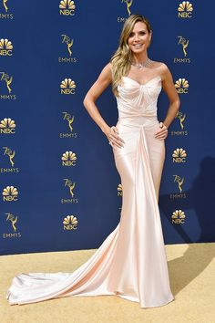 HEIDI KLUM IN ZAC POSEN 2018 Emmys Red Carpet #purewow #fashion #news #red carpet #emmys #entertainment