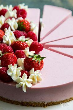 Kwarktaart met aardbeien en frambozen - recept