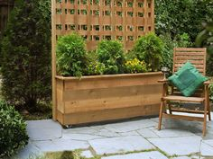 How to Build a Privacy Planter - This Old House Privacy Planter, Deck Planters, Garden Privacy, Cedar Planters, Privacy Screen Outdoor, Privacy Landscaping, Backyard Privacy, Backyard Fences, Backyard Projects