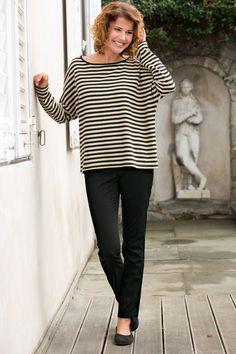 Schmale Trendform aus elastischem Baumwoll-Twill - sehr angenehm zu tragen und besonders schön durch tonig gesteppte Nähte vorne. Elastischer Bund mit nickelfreiem Seitenzipper. Innere Beinlänge ca. 79 cm. 97% Baumwolle, (kbA), 3% Elasthan. Fällt... Trends, Jeggings, Tops, Women, Fashion, Cotton, Nice Asses, Moda, Women's