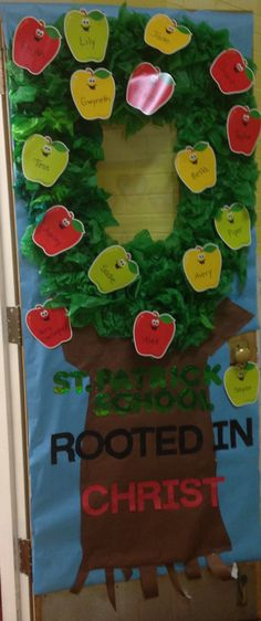 1000 images about classroom door decorations on pinterest for Apple tree classroom decoration