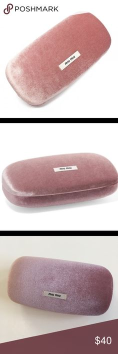 🆕Miu Miu Sunglasses Case Pink Velvet Large Size Brand New Miu Miu Sunglasses Case Pink Color Velvet material  Large size  Please ask any questions  💲Open to Offers💲 🚫No trades🚫 📦Ask About Bundle Discounts💰 Miu Miu Accessories Sunglasses