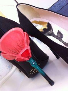 Prada Pretty Shoes, Beautiful Shoes, Dream Shoes, New Shoes, Fashion Shoes, Fashion Accessories, Flower Shoes, Shoe Boots, Shoe Bag