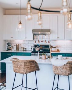 Fresh Boho Kitchen Remodel Avant + Après - Page 7 of 31 - KitchenRemodel. Home Decor Kitchen, Home Kitchens, Kitchen Ideas, Kitchen Inspiration, Design Kitchen, Modern Kitchens, Kitchen Modern, Apartment Kitchen, Küchen Design