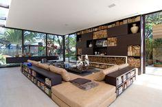 Loft Residence was designed by Sao Paulo-based studio Fernanda Marques Arquitetos Associados. A splendid loft occupying 180 square meters of modern Modern Interior, Interior Architecture, Interior And Exterior, Exterior Design, Minimalist Architecture, Modern Luxury, Contemporary Living, Modern Living, Minimalist Living
