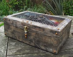Neelz Expressionz: Faded box of treasures