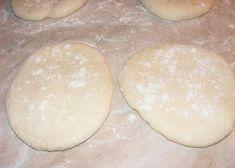 Pesmeti preparare Hamburger, Bread, Food, Hamburgers, Breads, Burgers, Bakeries, Meals