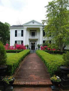 Rosewood Manor, Columbus, Mississippi!!! Bebe'!!! Beautiful antebellum home in Columbus, Mississippi that was not burned down by Sherman during his march through Mississippi!!!