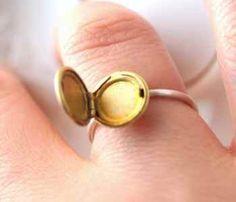 Small Locket Ring - LOVE IT!