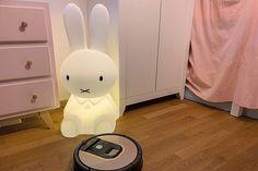 Hallo Roomba, Tschüss Staubsauger - Felicitas Smart Home, Home Appliances, Parents, Table, Smart House, House Appliances, Domestic Appliances