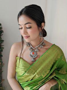 Saree Draping Styles, Saree Styles, Banarsi Saree, Lehenga, Indian Look, Indian Wear, Indian Dresses, Indian Outfits, Fashion Blouses