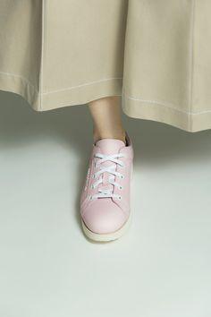 Acne Studios Kobe powder pink Low cut sneakers Summer 2016