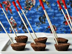 Hockey Stick - Olympic Party Treats  Two-Bite Brownie 'Pucks' on a Stick - SavvyMom.ca #olympics #hockey #sochi