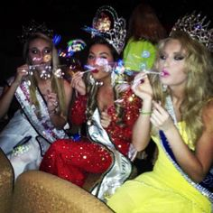 Sister Queens <3 Pageant Girls, Queens, Sisters, Style, Fashion, Swag, Moda, Fashion Styles, Fashion Illustrations