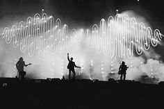 42 Ideas Music Photography Concert Arctic Monkeys For 2019 Arctic Monkeys Wallpaper, Arctic Monkeys Lyrics, Monkey Wallpaper, 505 Arctic Monkeys, Matt Helders, Alex Turner, Photo Wall Collage, Picture Wall, Sheffield