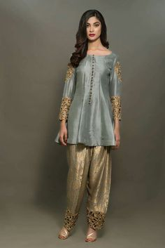 Trendy Party Outfit Black And White Clothes Ideas Pakistani Wedding Outfits, Pakistani Dresses, Indian Dresses, Indian Outfits, Shadi Dresses, Nikkah Dress, Stylish Dresses, Fashion Dresses, Stylish Dress Designs