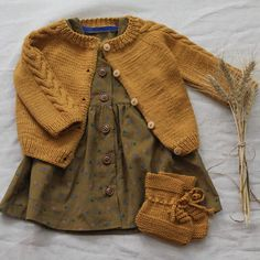 What a lovely outfit for an autumn day. The colors are just perfect. #kalinkakids