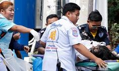 Series of bomb attacks in Hua Hin killed at least two and more than 20 woundedepaselect epa05476180 Thai rescue workers rush an injured bomb victim to a hospital following a bomb attack at the city clock tower in the center of Hua Hin, Thailand, 12 August 2016. A series of bombing attacks in the resort city of Hua Hin killed at least two people and more than 20 people injured including foreign tourists. EPA/RUNGROJ YONGRIT